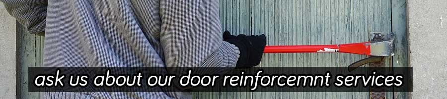 Home burglary attempt on a front wooden door